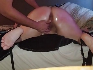 She twerks for her man and he teases her pussy