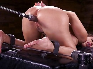 Enticing blonde uses toys and fuck machines on her pussy