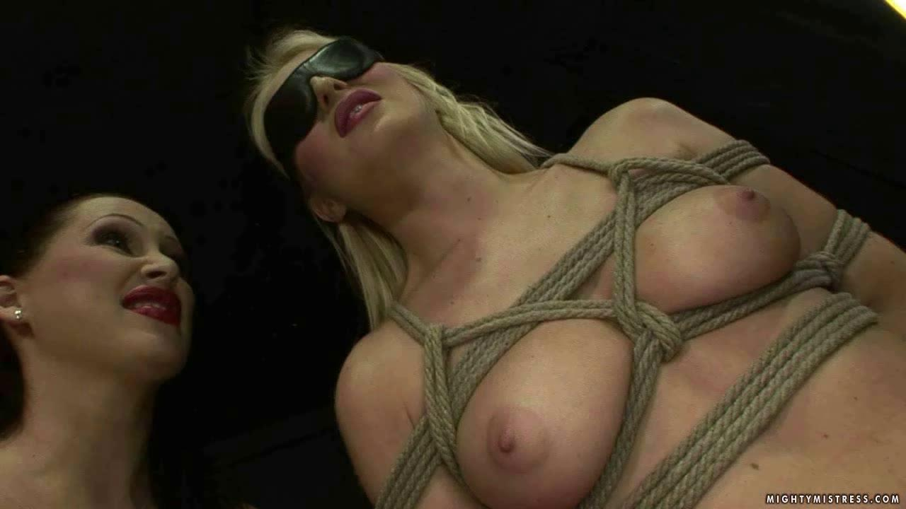 Hot Blonde Girl Gets Fucked